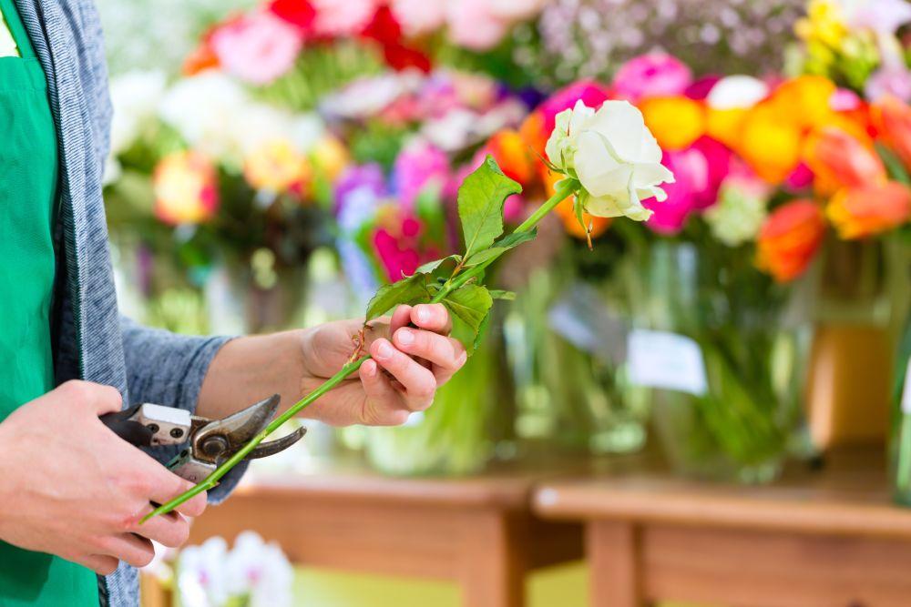 Букет роз чтобы дольше стоял, букет стрелиция свадебные